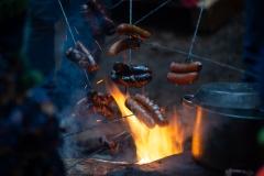 ognisko-z-kielbaskami